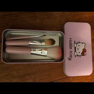 Lmtd edition of mini hello kitty brushes & gift